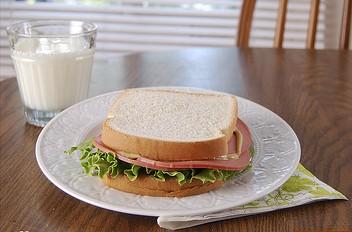 Bolgona_sandwich.jpg